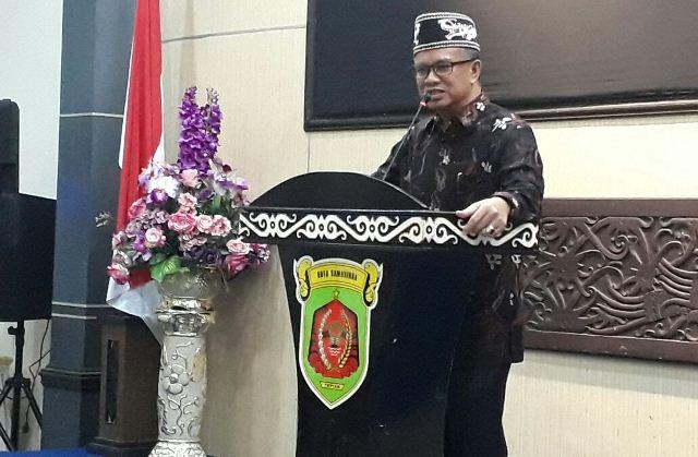 Syaharie Jaang sosialisasi Pilkada Kaltim bersama Warga Dayak (Foto: Yadi)