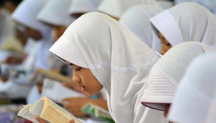 Siswa Membaca. Foto: Dok Antara