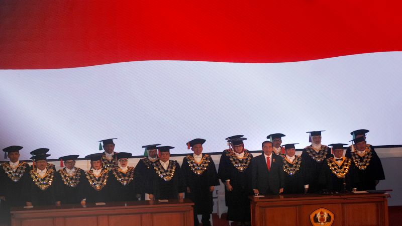 Presiden Jokowi saat menghadiri Dies Natalis Unpad. (Foto: Antara)