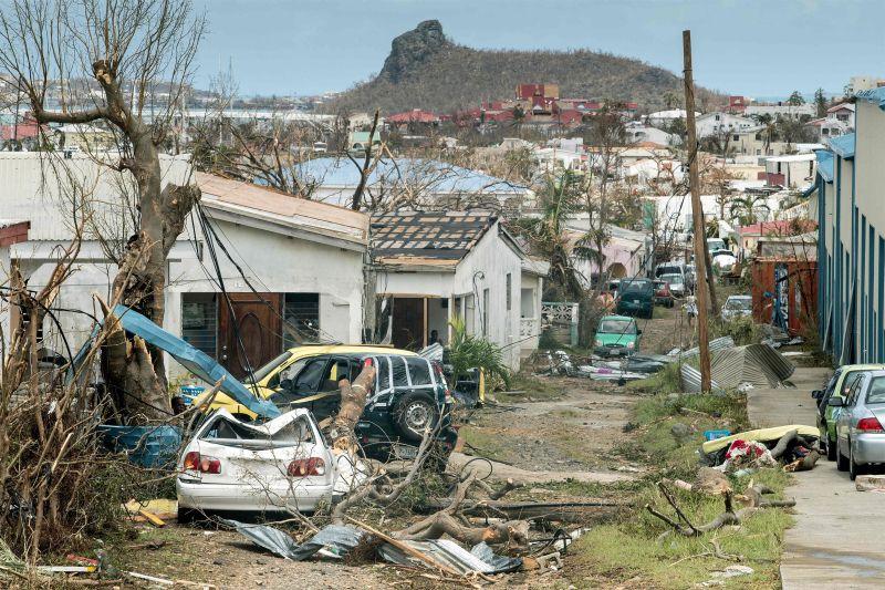 Foto keadaan Sint Maarten usai hantaman Badai Irma (Foto: Zuma Press)