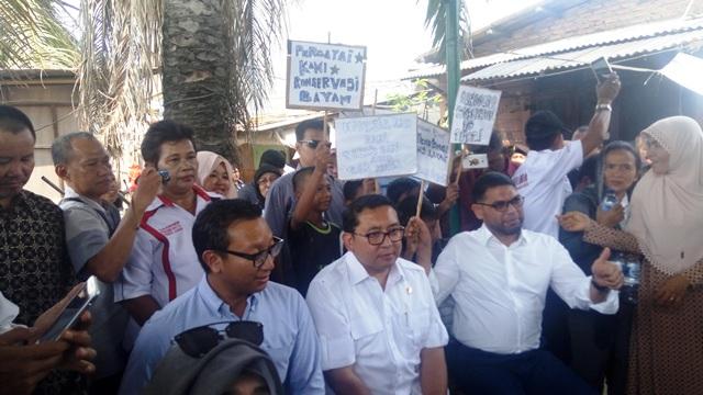 Fadli Zon saat di Kampung Bayam (foto: Taufik/Okezone)