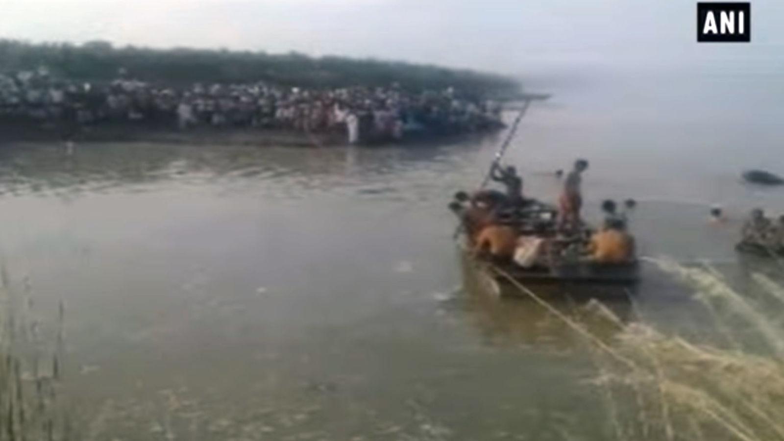 Pemandangan di lokasi kecelakaan perahu di Uttar Pradesh. (Foto: Sky News)
