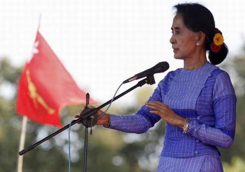 """Pidato Suu Kyi Dianggap """"Menggabungkan Kebohongan dengan Menyalahkan Etnis Rohingya"""""""