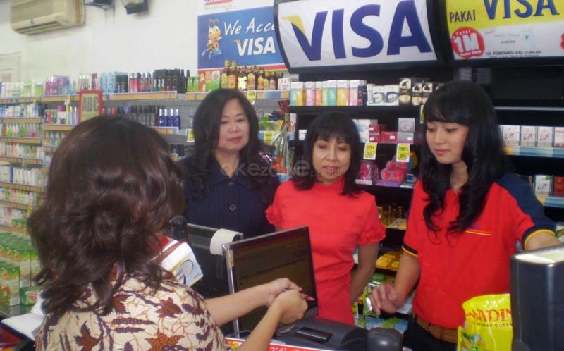 AMRT Sudah Diatur BI, Berapa Biaya Top Up Uang Elektronik di Alfamart?