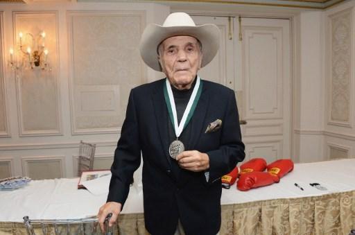 Alami Komplikasi Pneumonia, Legenda Tinju Amerika Serikat Meninggal di Usia 95 Tahun