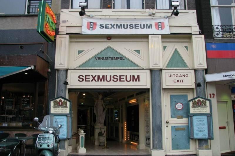 https: img.okezone.com content 2017 09 22 406 1780545 backpacker-diary-sex-museum-amsterdam-wisata-erotis-legendaris-yang-bikin-penasaran-Jj9Z5ee453.jpg