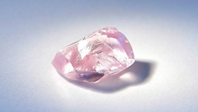 Berlian merah muda. (Foto: Russia Today)