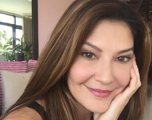 https: img.okezone.com content 2017 09 25 33 1782296 tamara-bleszynski-unggah-pose-tanpa-make-up-netizen-dari-dulu-wajahnya-enggak-ngebosenin-fr36rQrKmM.JPG