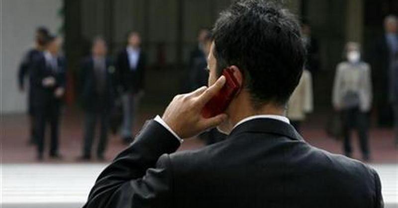 https: img.okezone.com content 2017 10 05 57 1789464 canggih-produsen-ponsel-bikin-feature-phone-berteknologi-4g-htDL7Otoa4.jpg