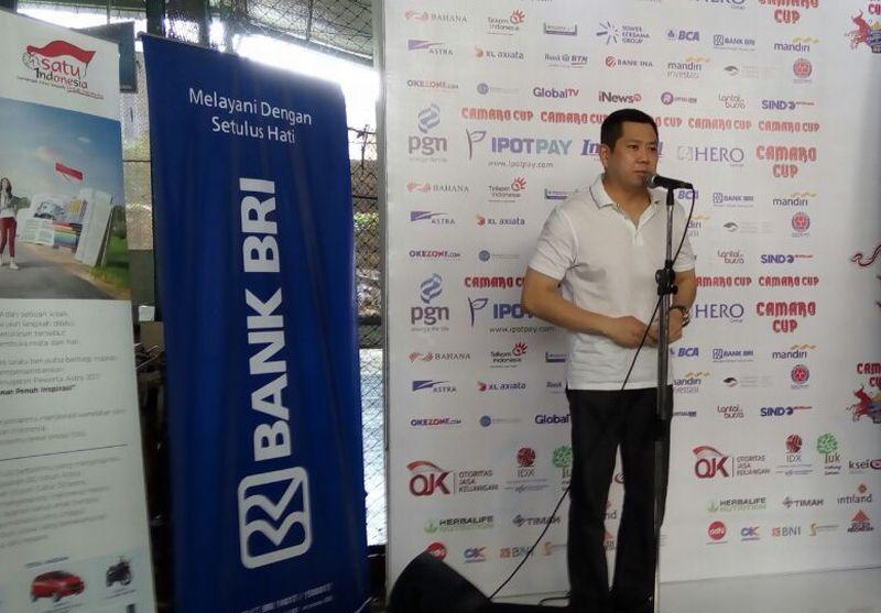 https: img.okezone.com content 2017 10 07 51 1790671 hadiri-camaro-futsal-badminton-challenge-2017-hary-tanoe-ini-upaya-majukan-futsal-indonesia-xN9Y5Ph1Rk.jpg