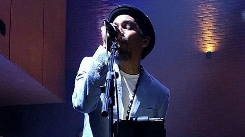 https: img.okezone.com content 2017 10 09 205 1791385 bersinergi-dengan-bekraf-cara-glenn-fredly-bikin-musik-indonesia-berdaulat-ndlxykfJef.jpg