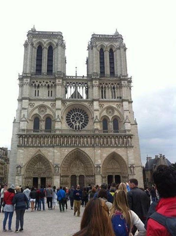 https: img.okezone.com content 2017 10 09 406 1792100 backpacker-diary-notre-dame-de-paris-katedral-gothic-tercantik-di-dunia-ofIwsaEGGC.jpg