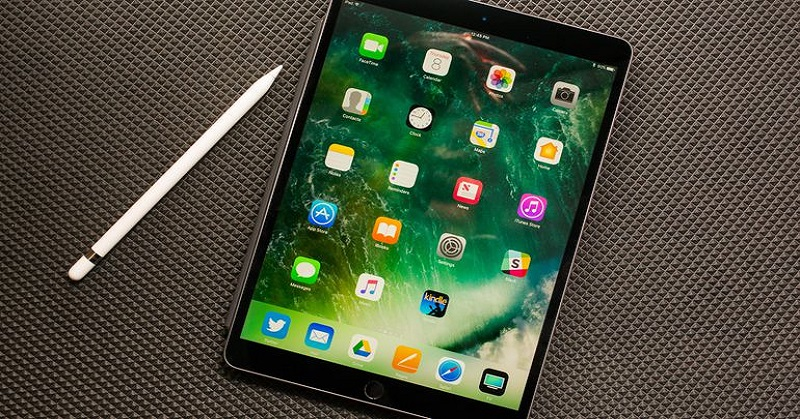 https: img.okezone.com content 2017 10 10 57 1792832 tantang-samsung-tablet-apple-mendatang-usung-fitur-face-id-vipPbgeTu6.jpg