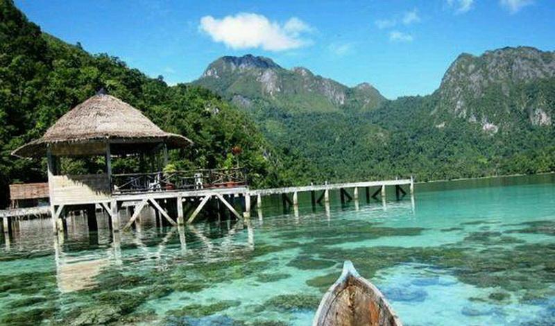 https: img.okezone.com content 2017 10 11 406 1793483 uncover-indonesia-pulau-pulau-eksotis-yang-jarang-dijamah-manusia-KyOMMbokZl.jpg