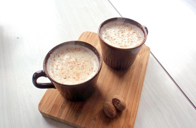 https: img.okezone.com content 2017 10 12 298 1794364 pop-sugar-hangatkan-tubuh-dengan-teh-susu-madu-hot-chocolate-dan-coconut-hot-coffee-simak-resepnya-berikut-ini-5pn9GJIgpV.jpg