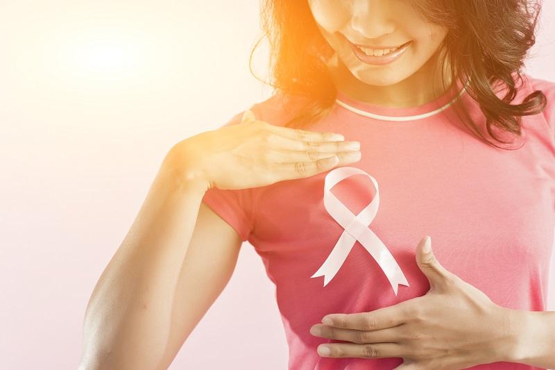 https: img.okezone.com content 2017 10 14 481 1795512 breast-cancer-awarness-mounth-momen-tepat-untuk-deteksi-dini-kanker-payudara-begini-langkahnya-HhOz2vgyyx.jpg