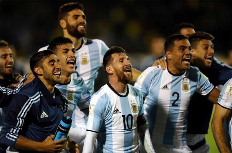 https: img.okezone.com content 2017 10 14 51 1795221 bawa-timnas-argentina-ke-piala-dunia-2018-simeone-messi-membuktikan-ia-yang-terbaik-di-dunia-QJJOHvEs8j.JPG