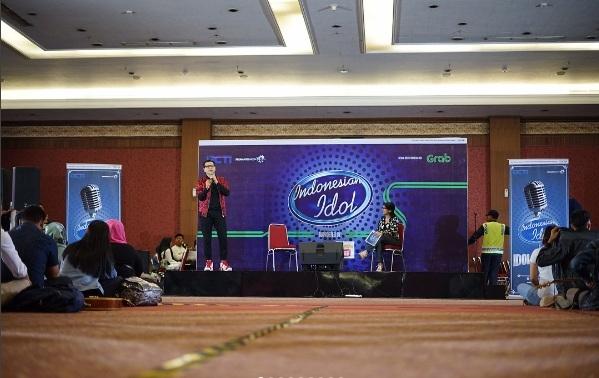 https: img.okezone.com content 2017 10 15 598 1795663 armand-maulana-optimis-banyak-peserta-berkualitas-ikut-audisi-indonesian-idol-2017-gsKTWHCAOJ.jpg