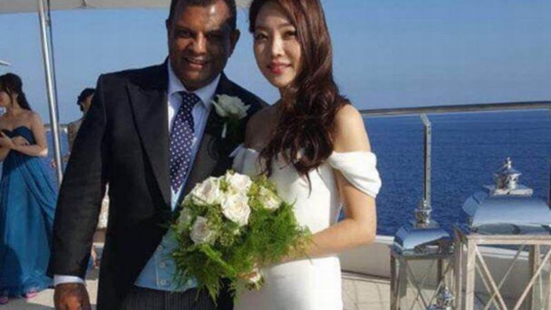 https: img.okezone.com content 2017 10 18 207 1797751 viral-ceo-air-asia-pinang-artis-cantik-korea-selatan-u15fdoqR0x.jpg