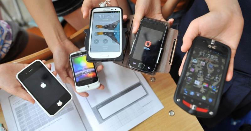 https: img.okezone.com content 2017 10 18 207 1798111 waduh-masuk-titik-jenuh-2018-pertumbuhan-pengguna-smartphone-alami-penurunan-u7xZJ0Tijf.jpg