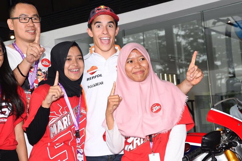 https: img.okezone.com content 2017 10 18 38 1797510 sport-tweets-berkunjung-ke-indonesia-marquez-sebut-fans-di-tanah-air-sangat-spesial-B9DEDmxTBj.jpg