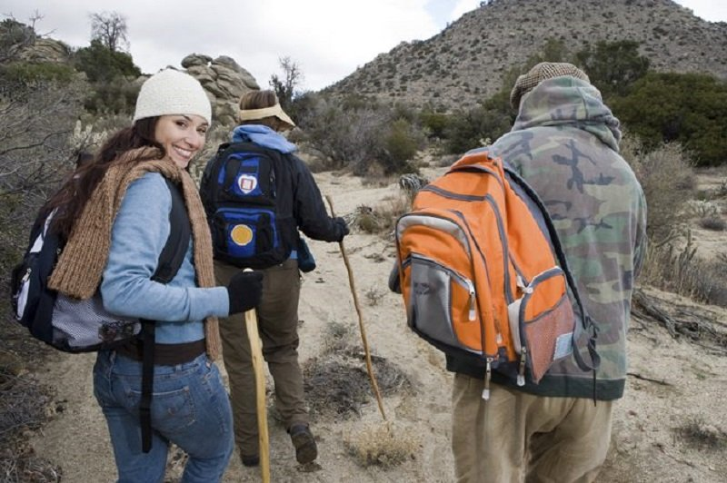 Jangan Salah Kaprah Ini Bahaya Mendaki Gunung Pakai Celana Jeans Okezone Travel