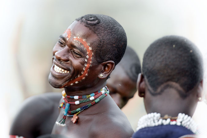 https: img.okezone.com content 2017 10 20 196 1799042 alamak-pria-dari-suku-ethiopia-ini-boleh-menikah-sebanyak-yang-ia-mau-gpNo989JGo.jpg