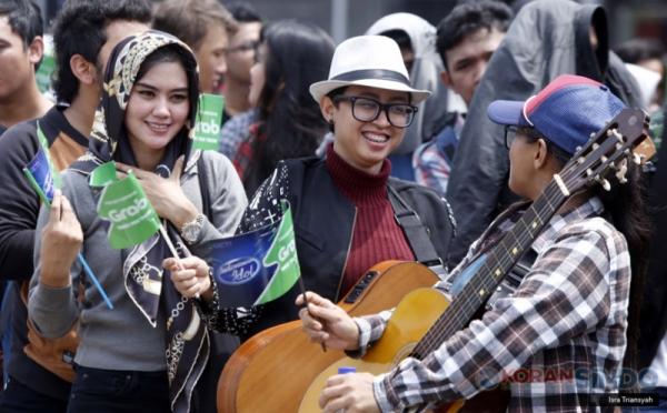 https: img.okezone.com content 2017 10 21 598 1799795 ikut-street-audition-indonesian-idol-2017-bersama-grab-indonesia-di-9-kota-dekatkan-diri-raih-impian-MhnCKjOfAC.jpg
