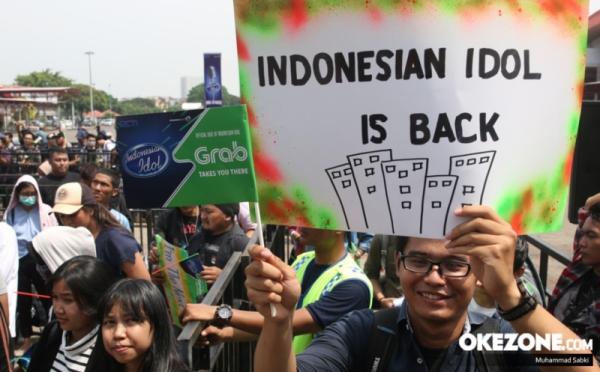 https: img.okezone.com content 2017 10 21 598 1799918 seru-wujudkan-impian-jadi-penyanyi-idola-indonesian-idol-grab-indonesia-ajak-peserta-abadikan-momen-audisi-0Ly3GFwKyw.jpg