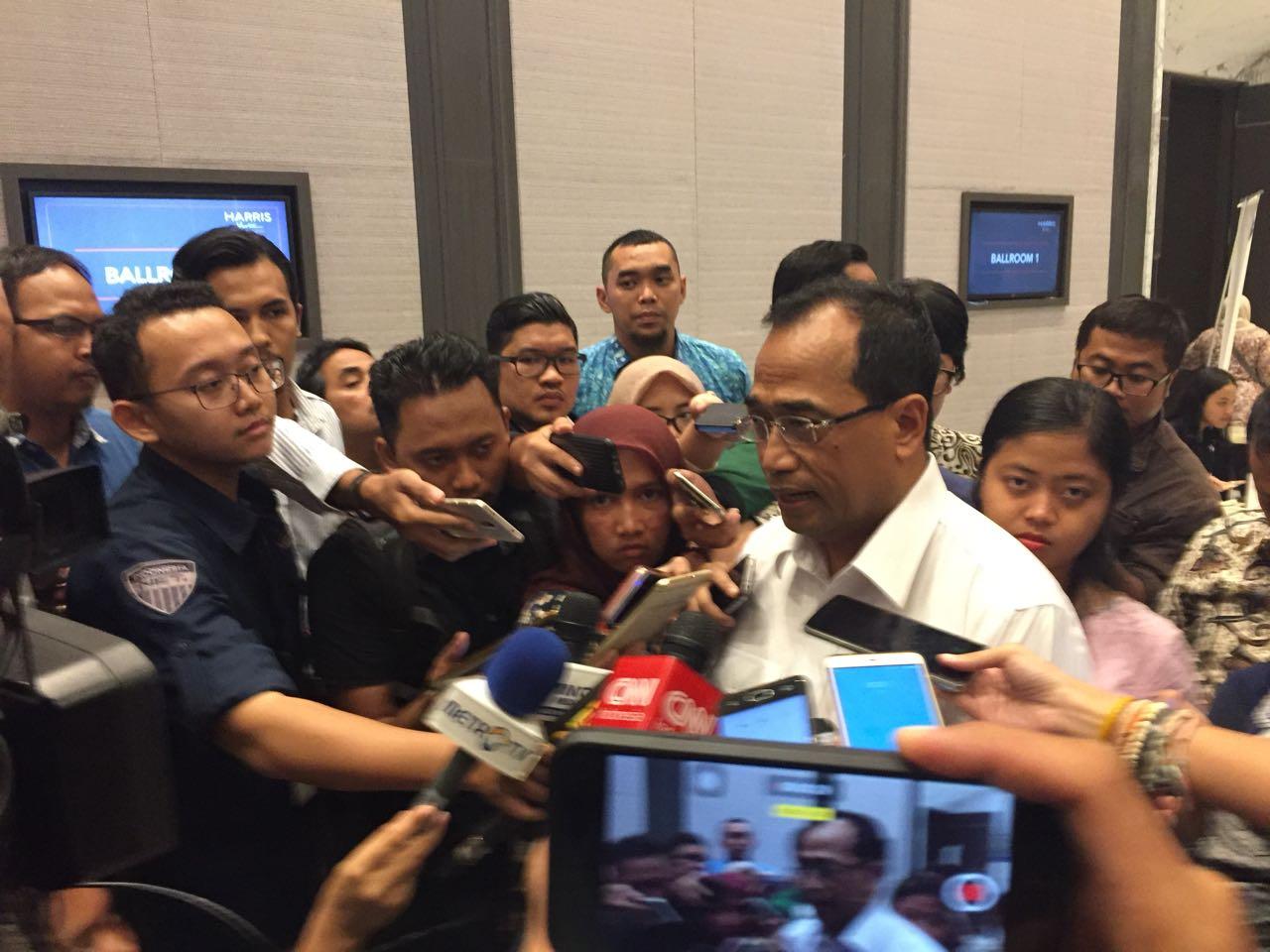 Hasil gambar untuk Dengan Kereta Cepat, Menhub Ingin Jakarta-Surabaya Bisa Ditempuh 5,5 Jam