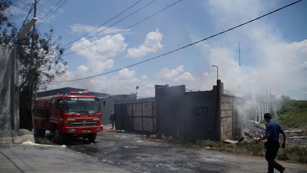 Pabrik Petasan Meledak dan Terbakar di Kosambi Tangerang