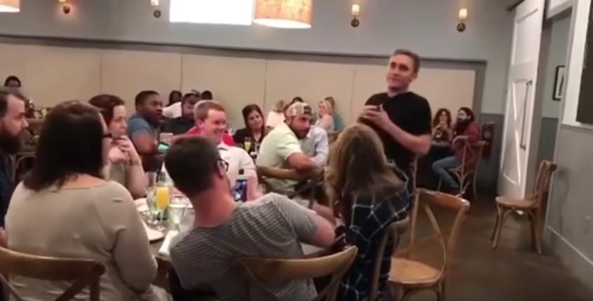 https: img.okezone.com content 2017 10 31 196 1805637 viral-bukannya-bahagia-wanita-ini-dipermalukan-setelah-dilamar-kekasihnya-e1ABgykHVo.jpg