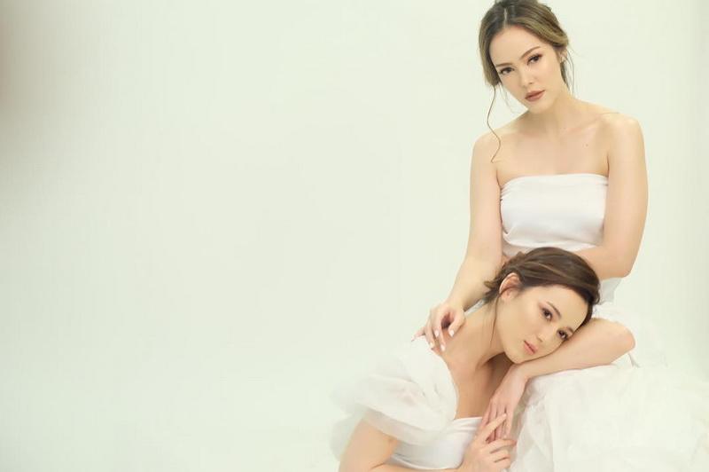 https: img.okezone.com content 2017 11 01 33 1806167 foto-indah-kecantikan-cathy-saron-dan-julie-estelle-menyejukkan-RcreLsvfuF.jpg