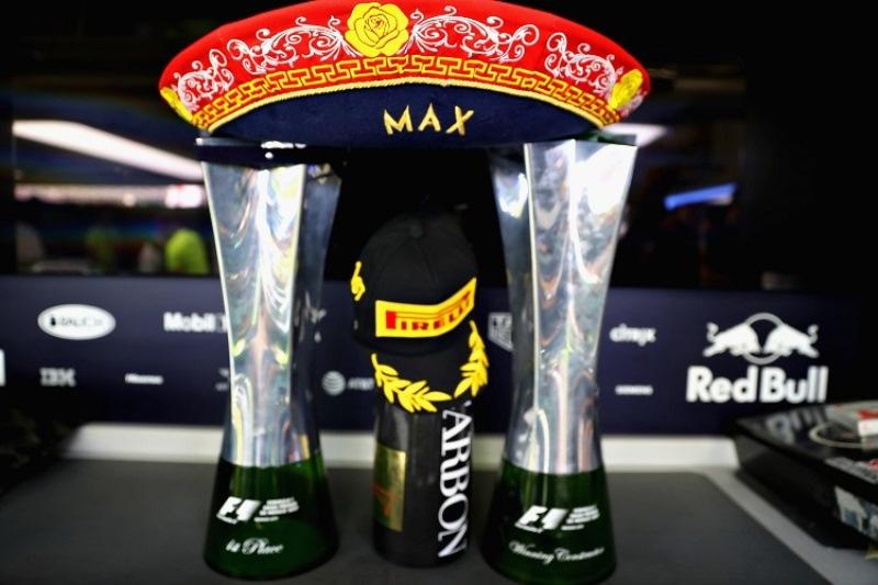 https: img.okezone.com content 2017 11 01 37 1806286 hamilton-juara-dunia-f1-2017-horner-gp-meksiko-milik-verstappen-PNbZxrGlWM.jpg