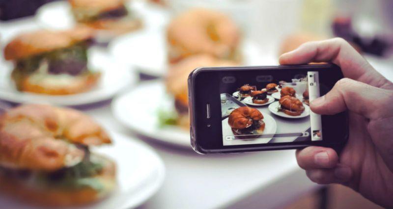 https: img.okezone.com content 2017 11 02 298 1807283 restoran-berbintang-michelin-ini-larang-pengunjungnya-mengambil-gambar-makanan-6HYi2nbet6.jpg