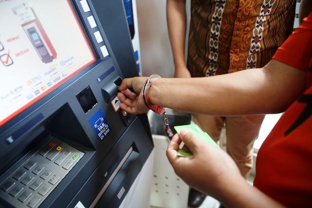 Sukurin! Dua Penjahat Spesialis Ganjal Mesin ATM Dibekuk Polisi ...