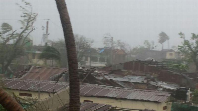 https: img.okezone.com content 2017 11 03 340 1807626 123-rumah-di-kupang-rusak-akibat-diterjang-badai-tidak-ada-korban-MYOVJqrjAp.jpg