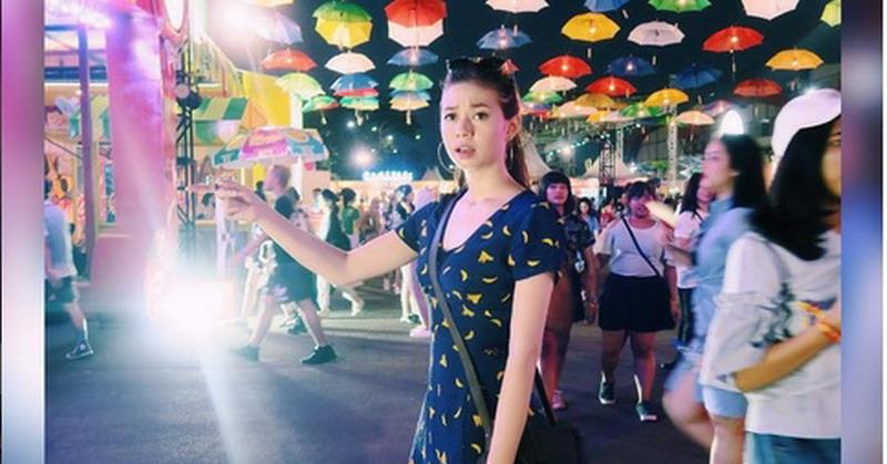 https: img.okezone.com content 2017 11 06 33 1809479 tak-malu-dinilai-salah-kostum-yuki-kato-senang-pakai-gaun-batik-ViHWqKzuJk.jpg