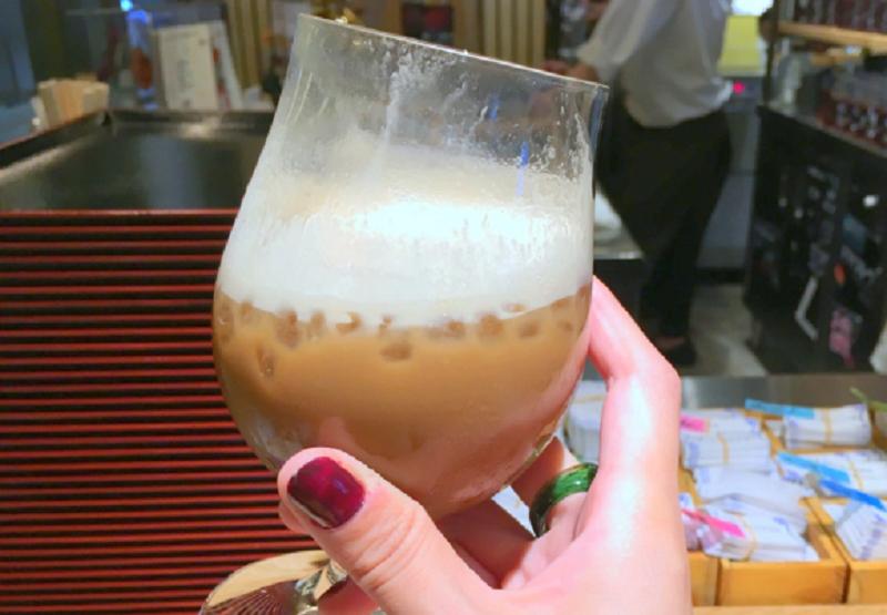 https: img.okezone.com content 2017 11 07 298 1810121 kopi-campur-sake-tren-baru-minum-kopi-di-jepang-qLJUfTwDgx.png