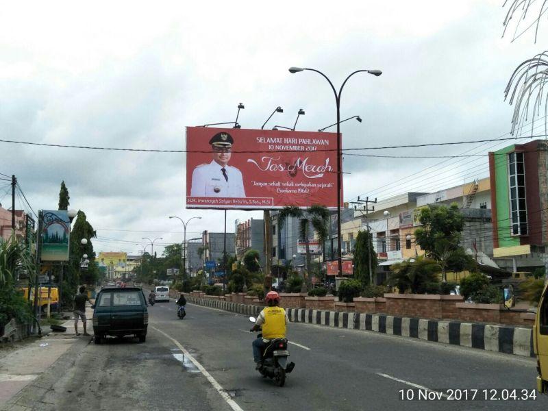 """Cagub Sumsel dari PDIP Kampanyekan """"Jas Merah"""" Soekarno"""