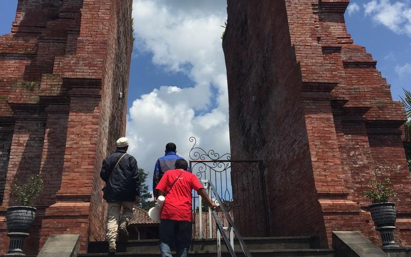 Wow Di Lumajang Ada Salah Satu Pura Tertua Di Asia Tenggara Loh Okezone Travel