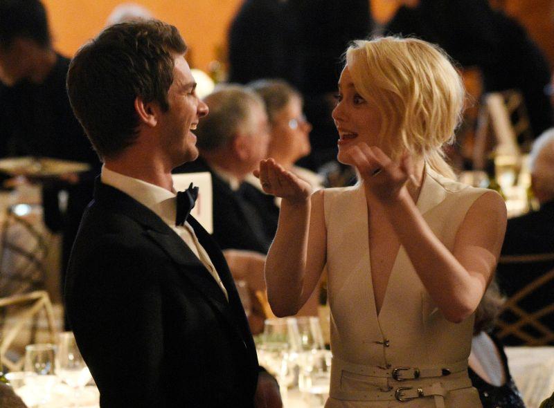 Sudah Punya Pacar Baru Emma Stone Tetap Akrab Dengan Andrew Garfield Okezone Celebrity