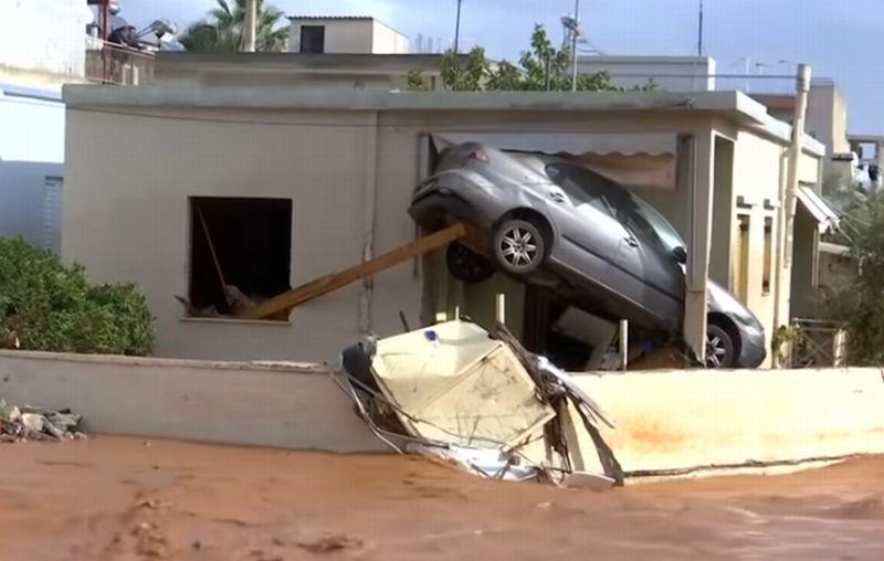 https: img.okezone.com content 2017 11 16 18 1814852 yunani-dihantam-banjir-bandang-15-orang-tewas-LfgF1Z2q9o.jpg
