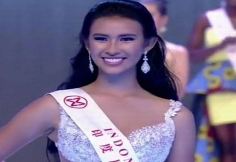 https: img.okezone.com content 2017 11 18 194 1816488 miss-world-2017-achintya-nielsen-keluar-sebagai-pemenang-beauty-with-a-purpose-qKaLkK86nv.JPG