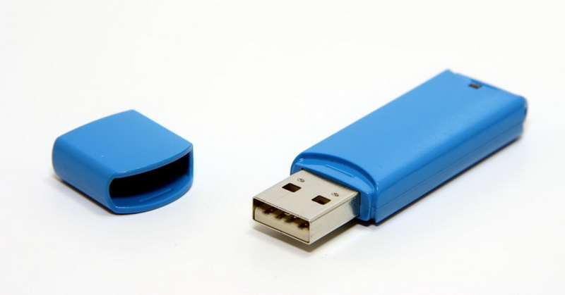 https: img.okezone.com content 2017 11 19 57 1816737 do-you-know-flashdisk-pertama-di-dunia-miliki-kapasitas-penyimpanan-8-mb-2tGnzZoUGV.jpg