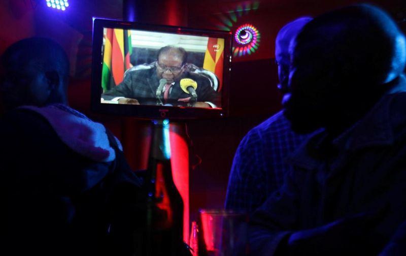 https: img.okezone.com content 2017 11 20 18 1816866 dikabarkan-setuju-untuk-lengser-presiden-zimbabwe-bersikeras-tidak-akan-mundur-s7KNqLxxaT.jpg
