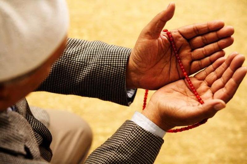 Belajar dari Kecelakaan Mobil Setnov Nabrak Tiang Listrik, Jangan Lupa Baca Doa Ini agar Selamat di Perjalanan