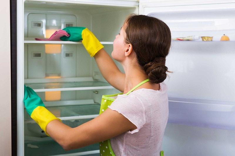 https: img.okezone.com content 2017 11 21 298 1818024 5-cara-mudah-bersihkan-kulkas-agar-makanan-yang-disimpan-tetap-higienis-gFSCGkK8sM.jpg