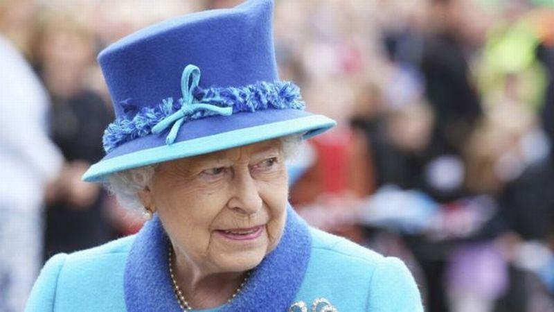 https: img.okezone.com content 2017 11 22 18 1818258 setelah-mugabe-lengser-ratu-elizabeth-ii-menjadi-pemimpin-tertua-di-dunia-nMCpzgdErW.jpg