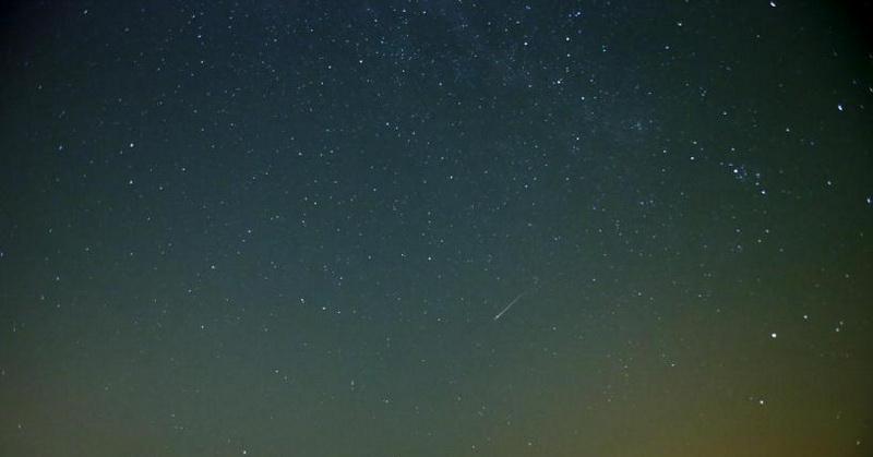 https: img.okezone.com content 2017 11 30 56 1823380 desember-saksikan-fenomena-hujan-meteor-geminids-9ZuFSQQeZU.jpg